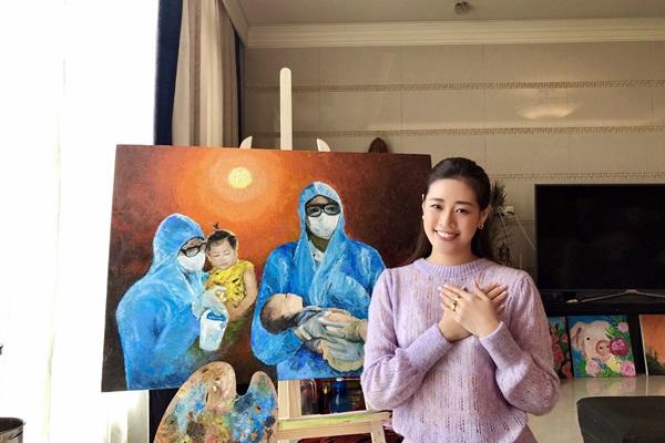 Hoa hau Khanh Van va Ba ve tranh Nhung Trai Tim Dung Cam5