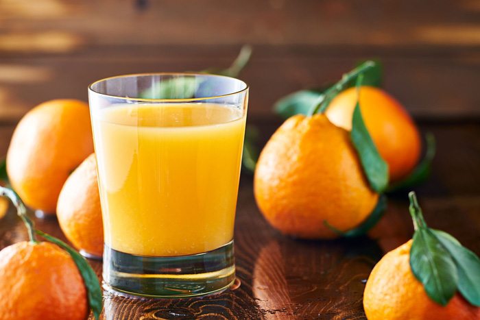 is-orange-juice-healthy-1578411142-159689452771081480195