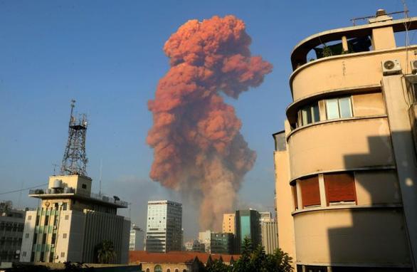 lebanon-beirut-huge-plume-afp-1596584848950380340955