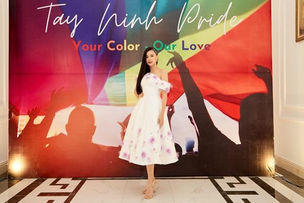 A hau Kim Duyen_Viet pride 12