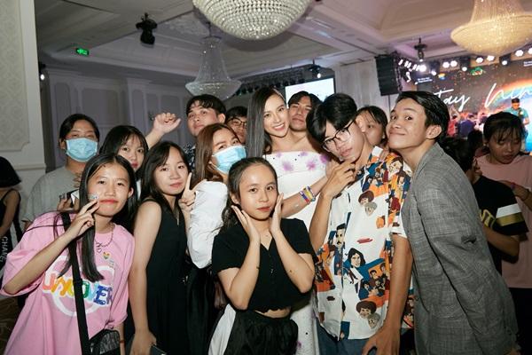 A hau Kim Duyen_Viet pride 36