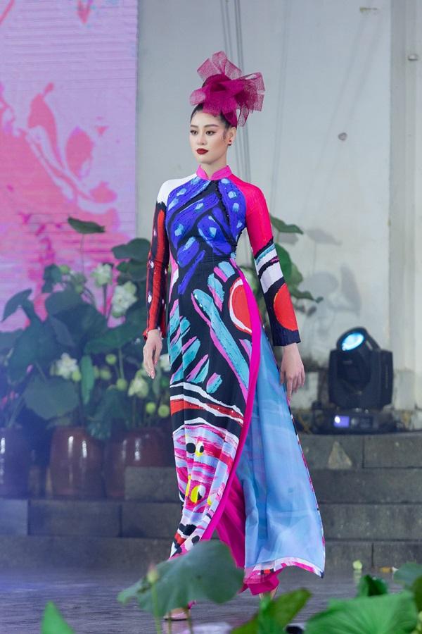 Hoa hau Khanh Van_Khai mac Le Hoi Ao Dai18