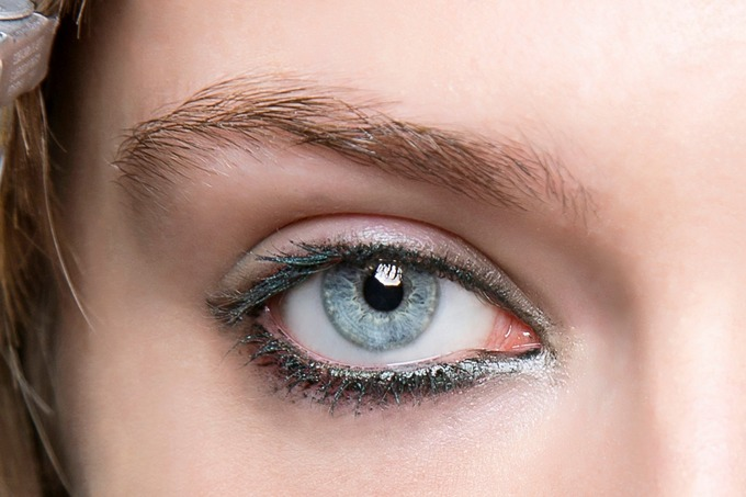 eyeliner-green-ideas-3-1602830252_680x0