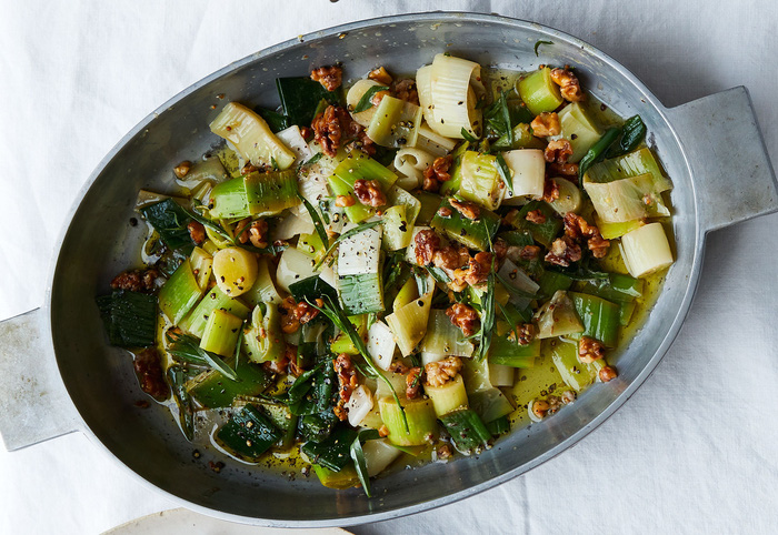leeks-in-vinaigrette-with-walnuts-and-tarragon-16029062661381611600196