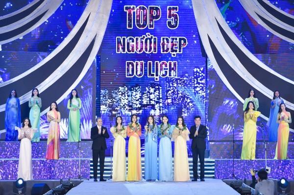 TOP5 NGUOI DEP DU LICH