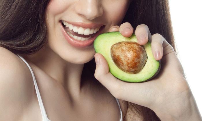 eating-avocado-16050033604531082125616