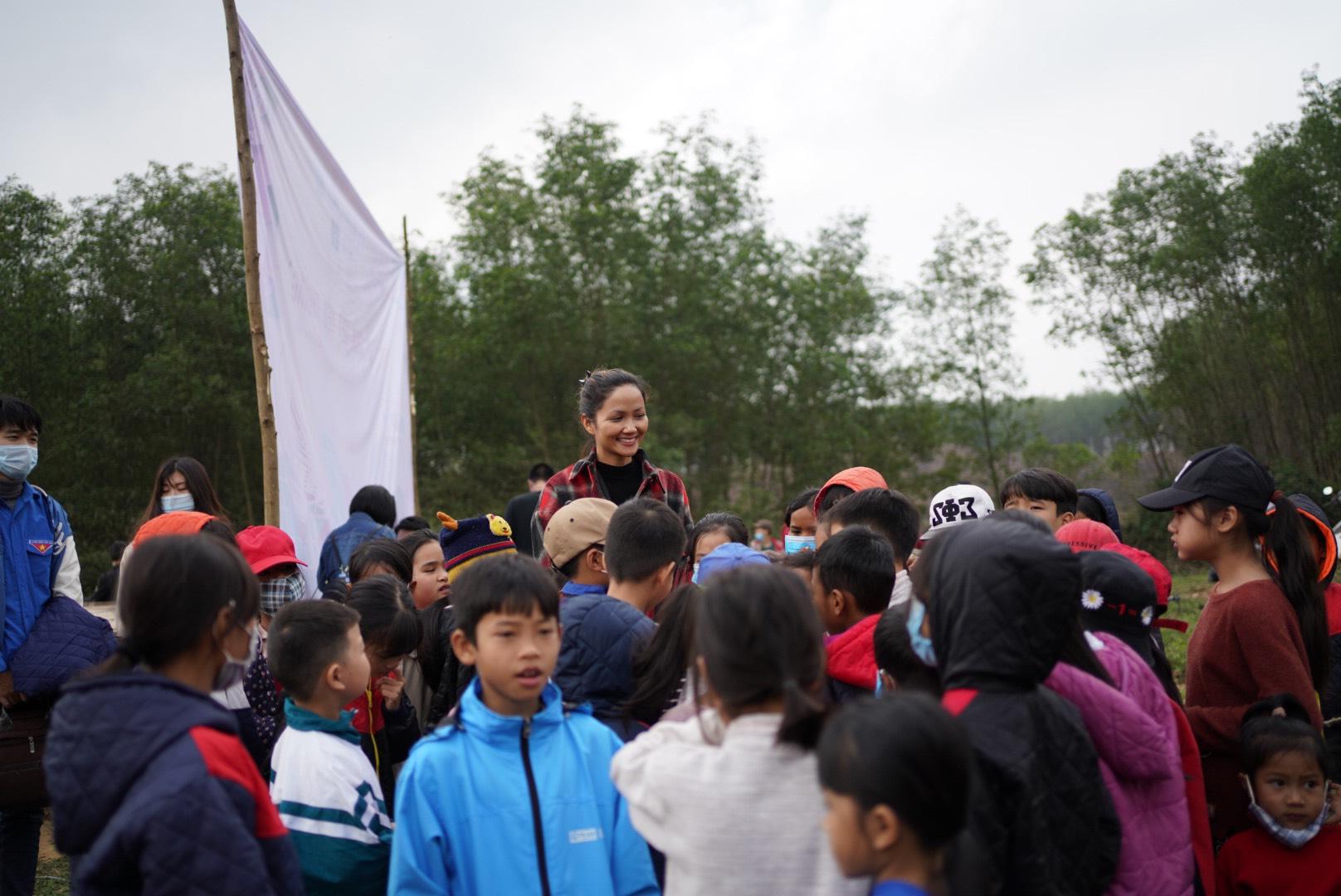 Hoa hau HHen Nie17