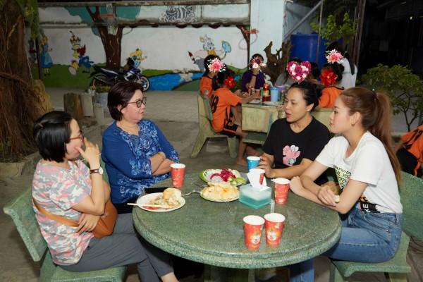 Hoa hau Khanh Van_OBV17