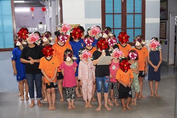 Hoa hau Khanh Van_OBV44