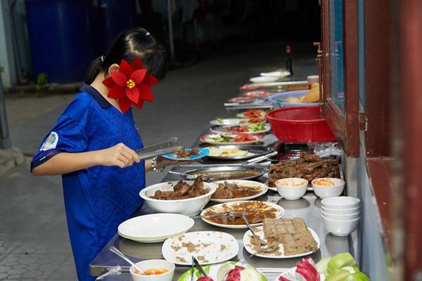 Hoa hau Khanh Van_OBV9